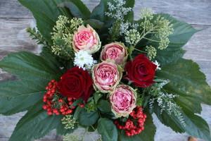allestire-dettaglio-fiori-foglie