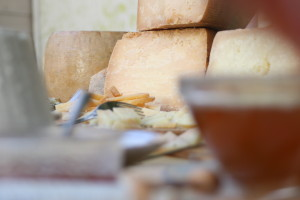 mangia-beve-montagna-formaggiosa